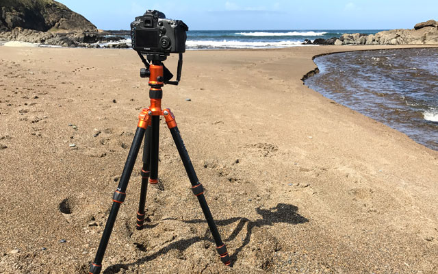 Best Tripod for DSLRs with Lightweight Lens: MeFoto Roadtrip Classic A1350