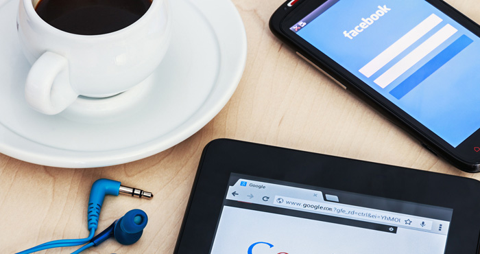 Should You Use Facebook or Google to Log In to Other Sites?