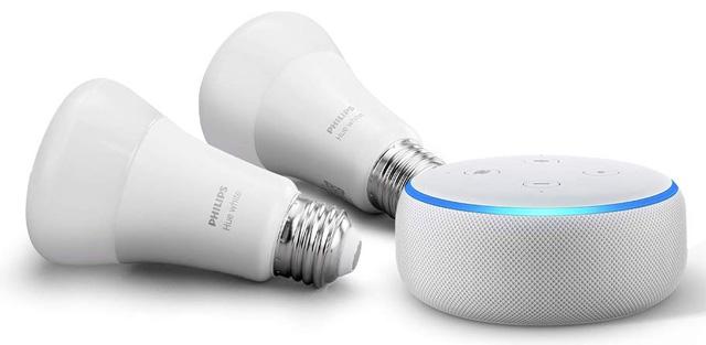 Echo Dot with Smart Light Starter Kit