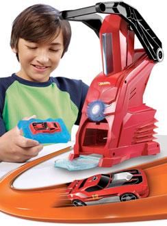 Hot Wheels Car Maker Playset