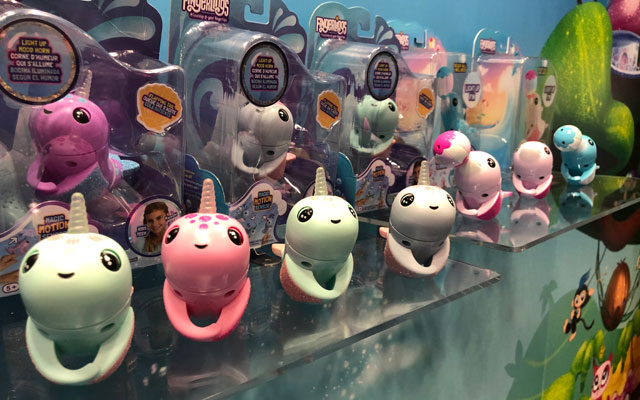 WowWee Fingerlings Narwhals