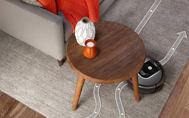 Robotic vacuum cleaner with HEPA filter: Roomba 960