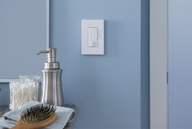 Lutron Maestro sensing light switch
