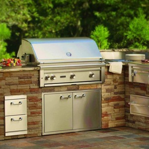 The best outdoor kitchen appliances techlicious for Outdoor kitchen refrigerators built in