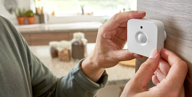 Philips Hue motion sensor makes Hue bulbs even smarter.
