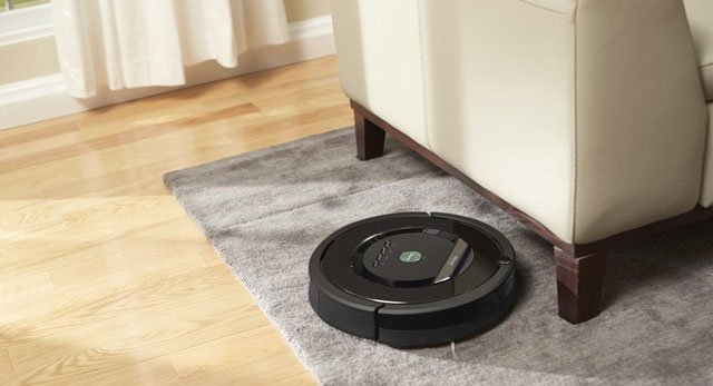 Robotic vacuum cleaner with HEPA filter: Roomba 880