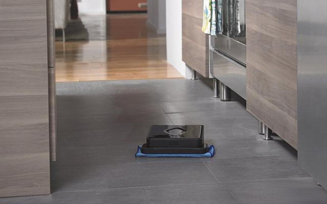 Robotic mop: iRobot Braava 380t Floor Mopping Robot