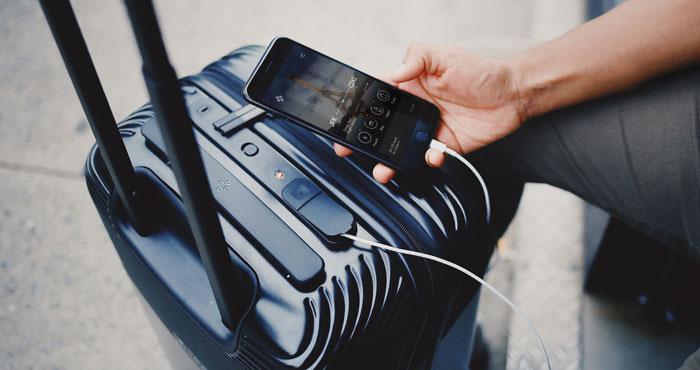 5 Smart & Stylish Suitcases
