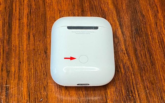 AirPods Setup button