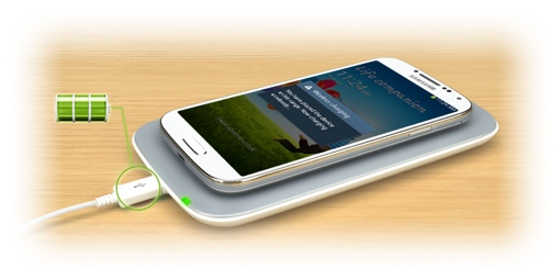 Qi Wireless charger w/Samsung smartphone