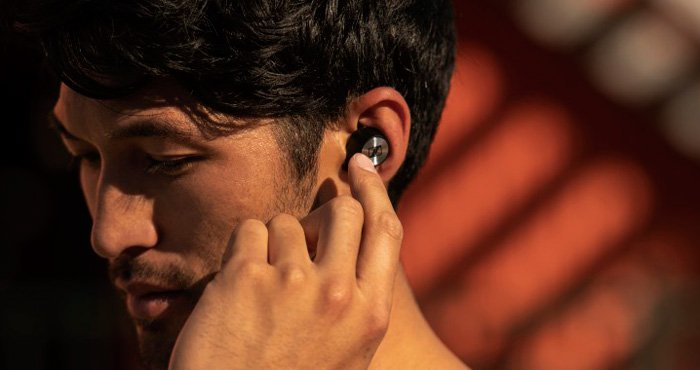 """4449858be0e They are the market leader in a new category of Bluetooth headphones dubbed  """"true ..."""